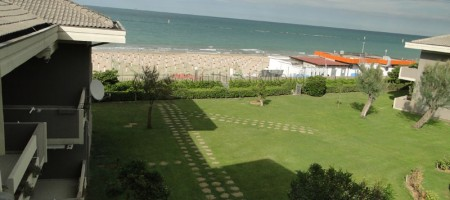 Appartamento fronte mare – residence Green Hill –
